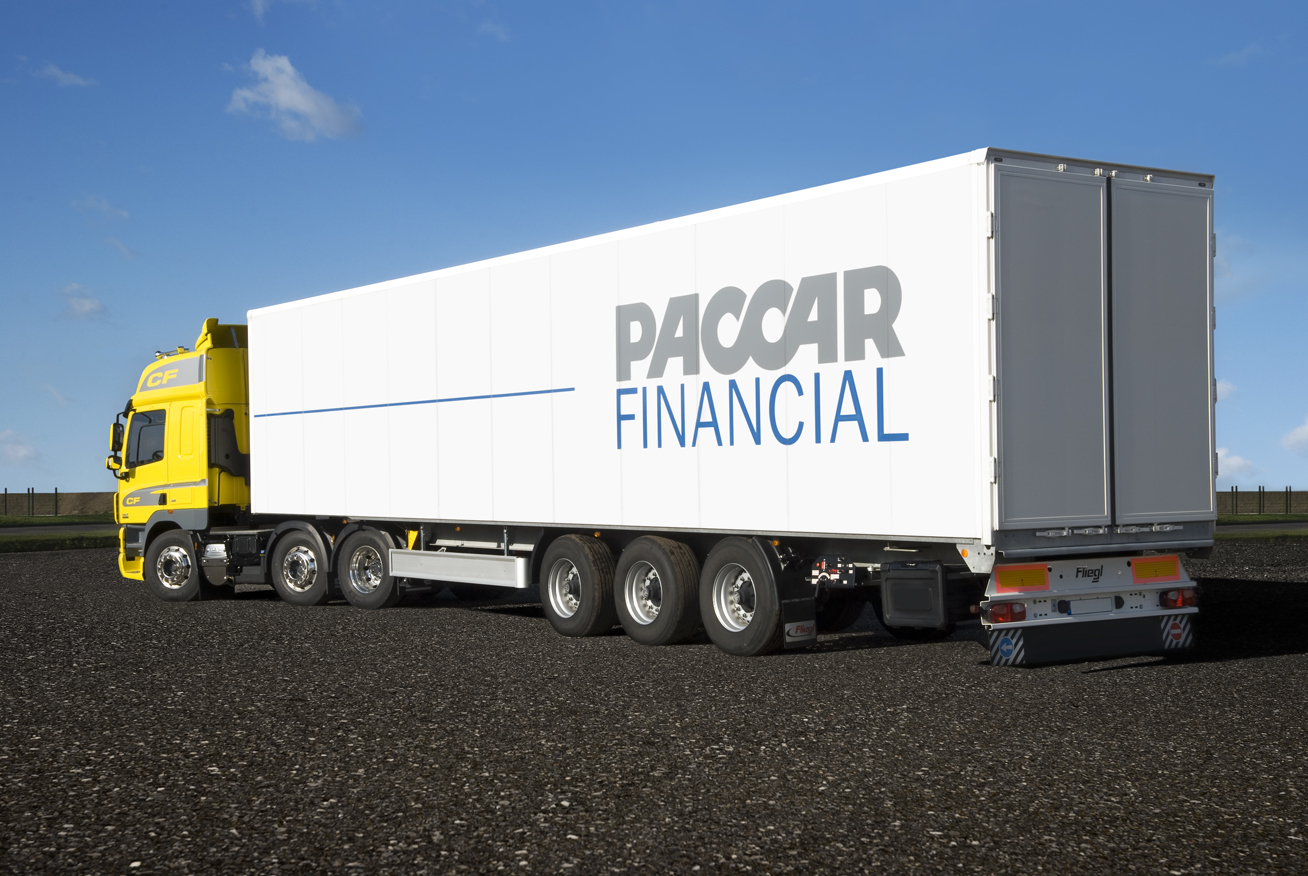 PACCAR-financial-trailer